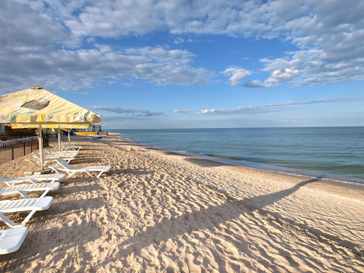 Море без медуз: как выбрать комфортный курорт на Азове для яркого отдыха летом