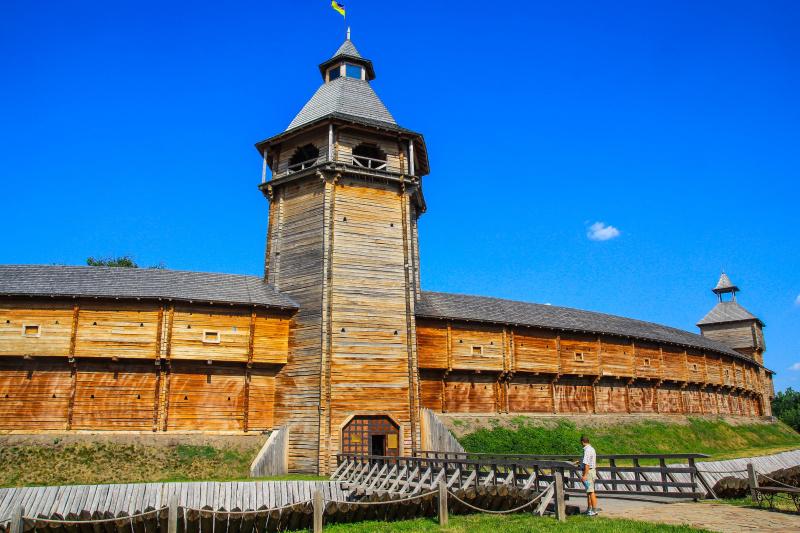 Золота осінь та козацькі місця: кращі локації для подорожі на Покрову