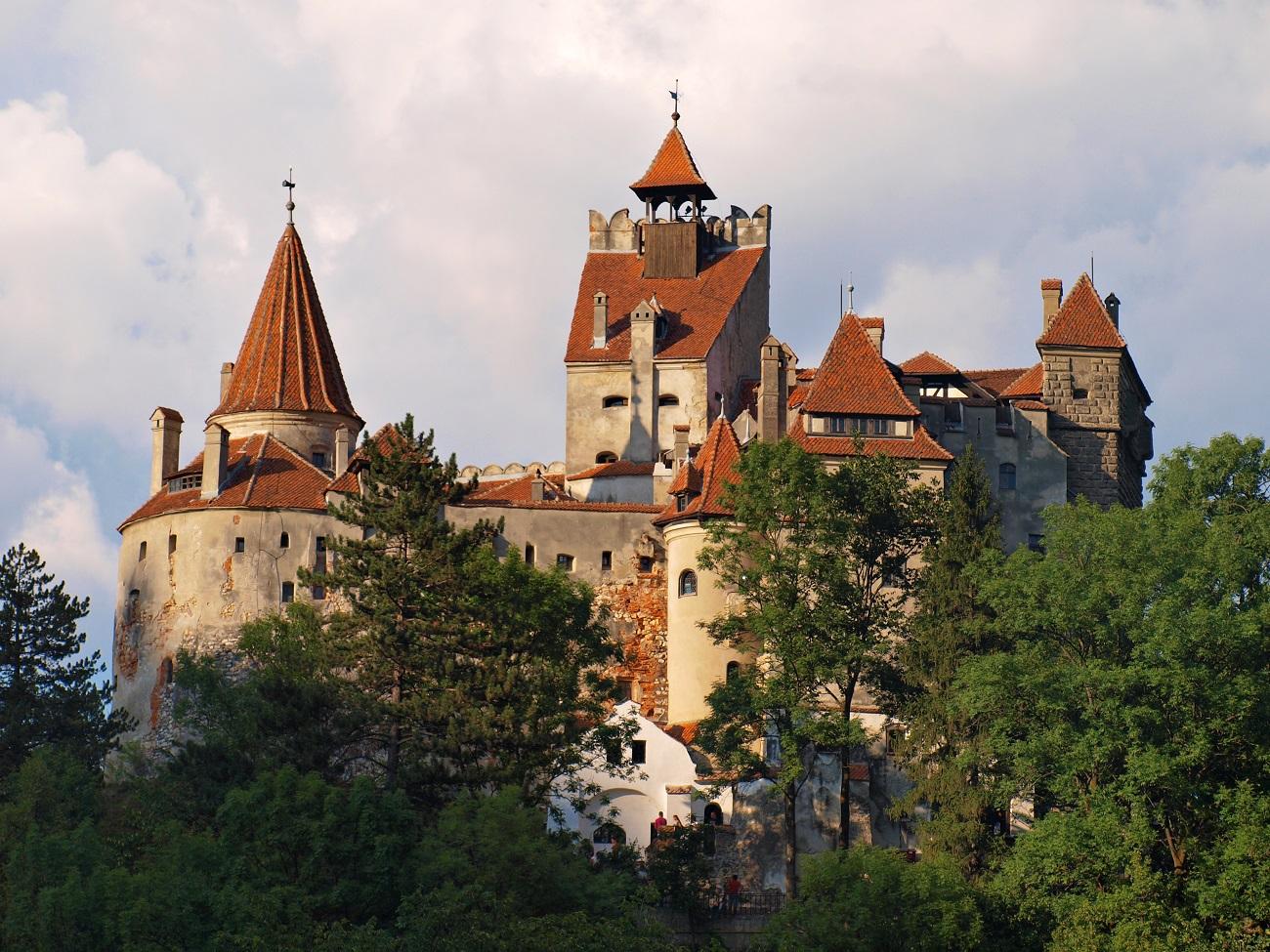 В тур за вакциною. Як зробити щеплення в Румунії та отримати COVID-паспорт ЄС: досвід українки