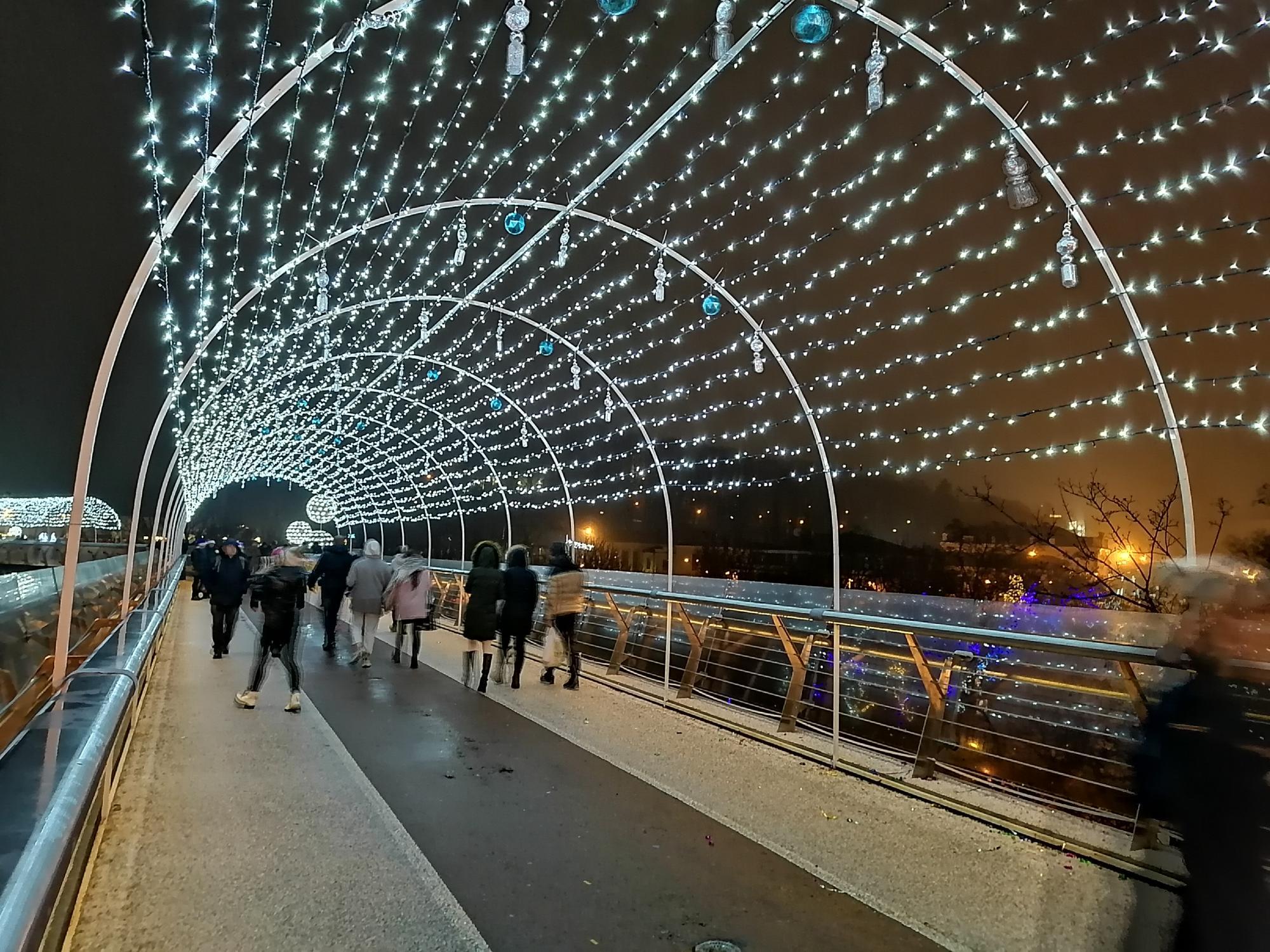 В атмосфері свята: скільки коштують розваги на головних зимових локаціях Києва