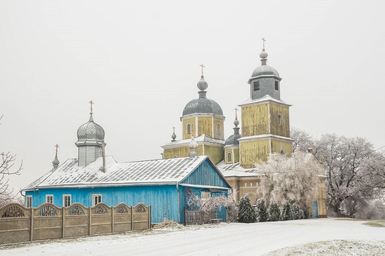 Розкішний храм та закрита спільнота: що подивитись у головному селі старообрядців України