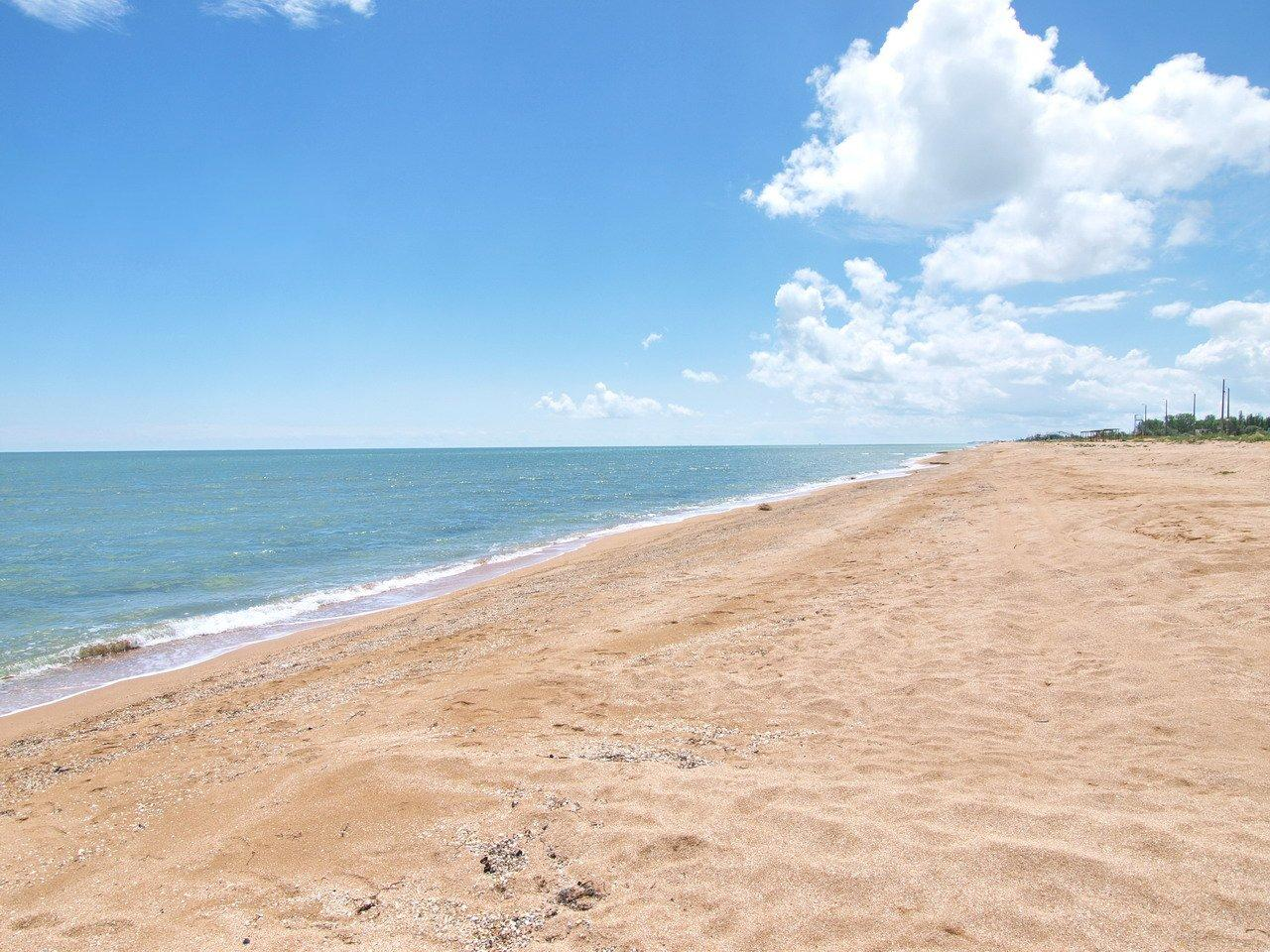 """Украинские """"Гавайи"""" и """"Мальдивы"""": где искать самые красивые пляжи страны для отдыха летом"""