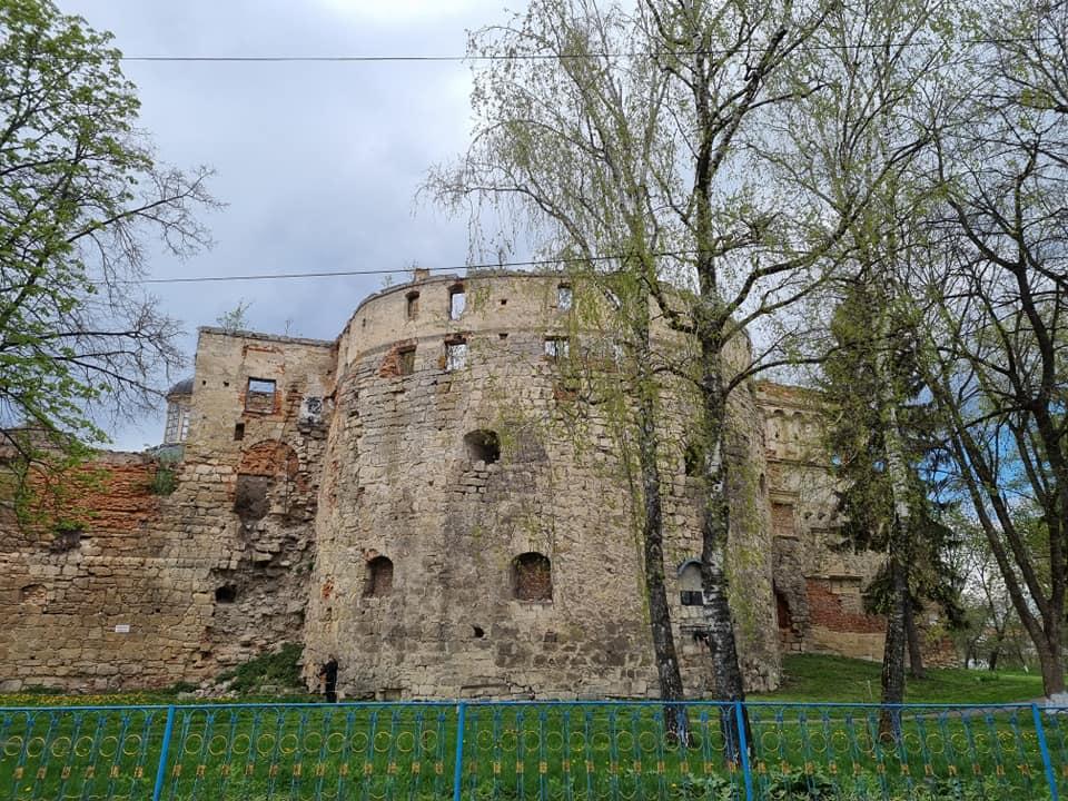 """""""Насладиться духом истории"""": малоизвестные крепости Украины для путешествия на уикенд"""