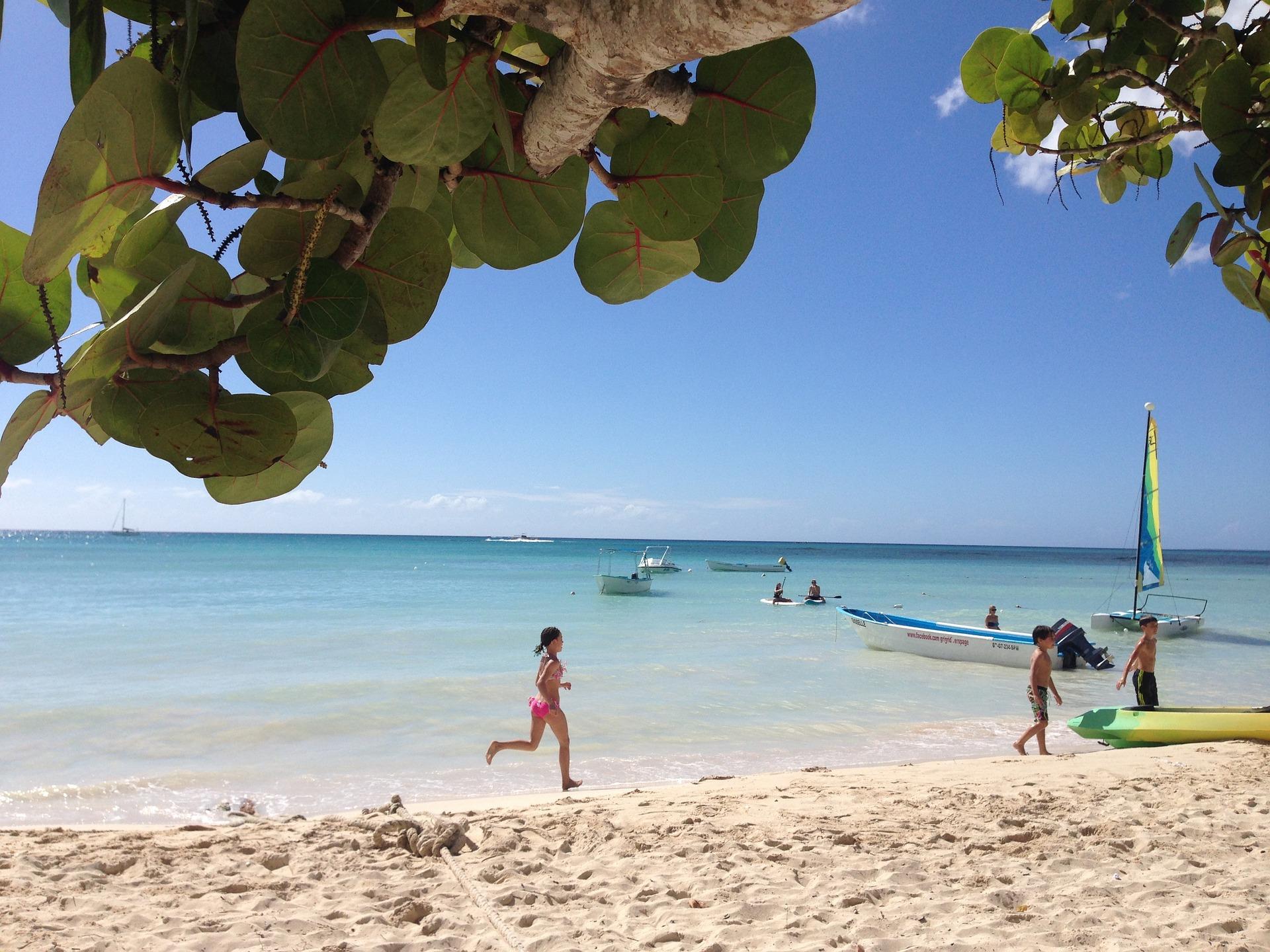 На море в будь-який момент: кращі курортні країни, куди можна їхати без ПЛР-тестів