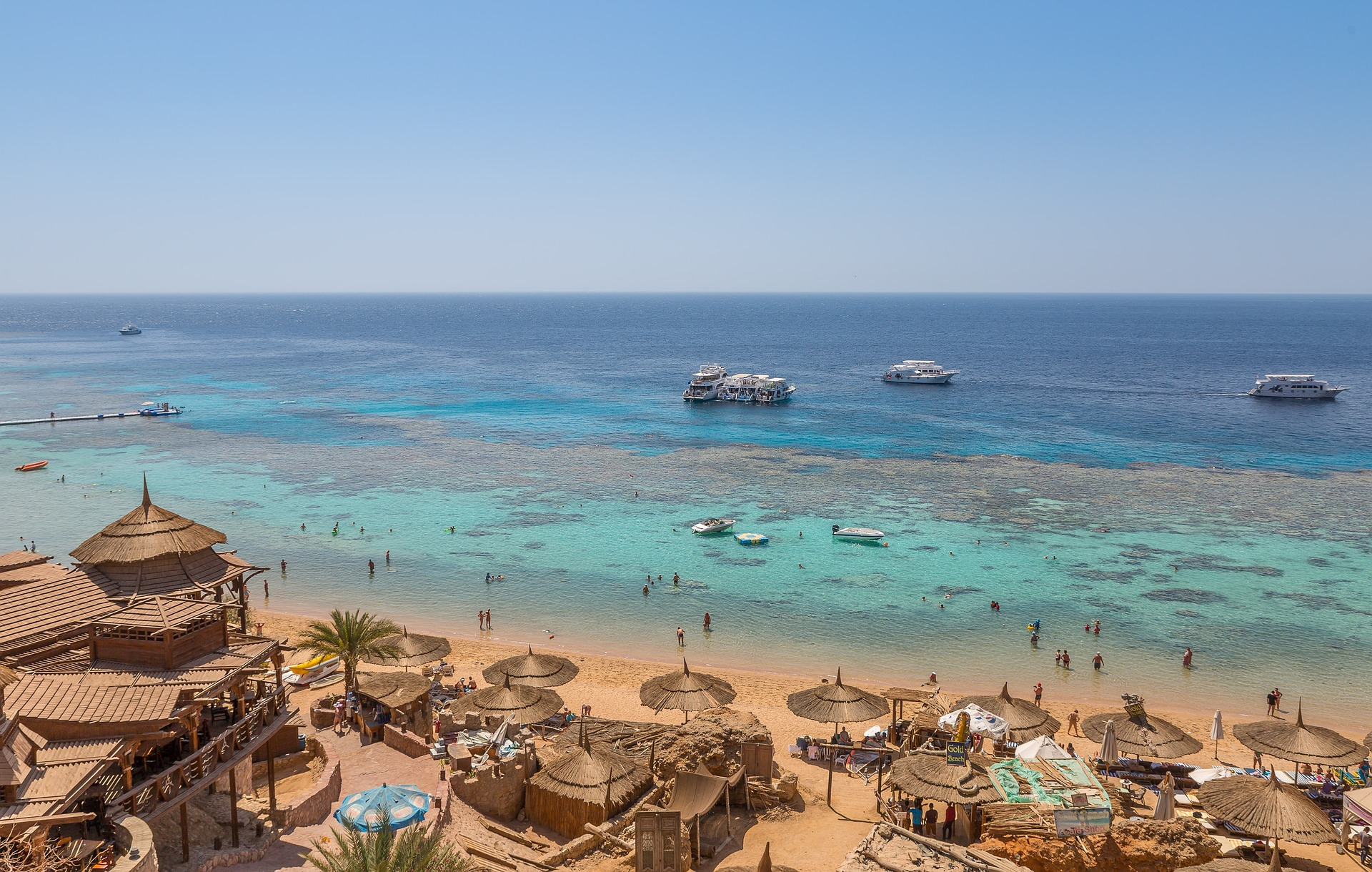 QR-код как пропуск в страну: на курортах Египта ввели новые требования к тестам туристов