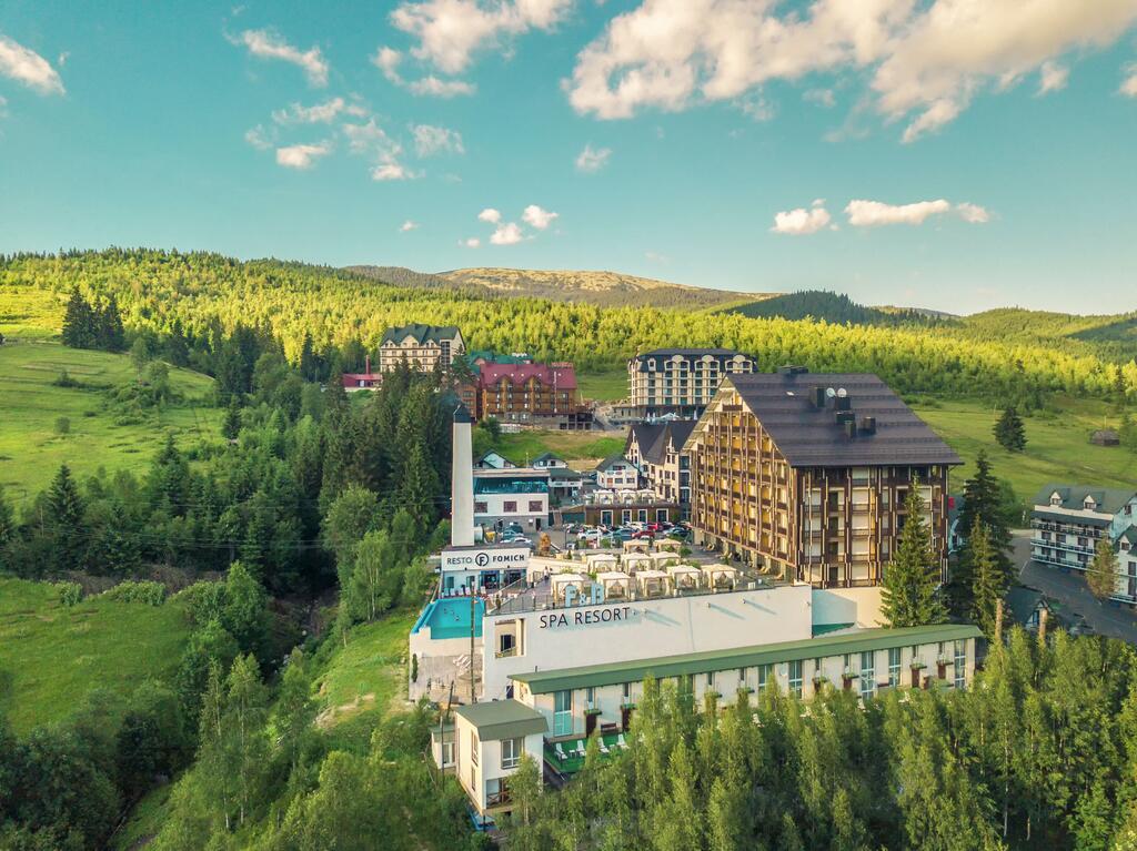 В Карпати з ПЛР-тестом: українські готелі почали вимагати довідки про відсутність COVID-19
