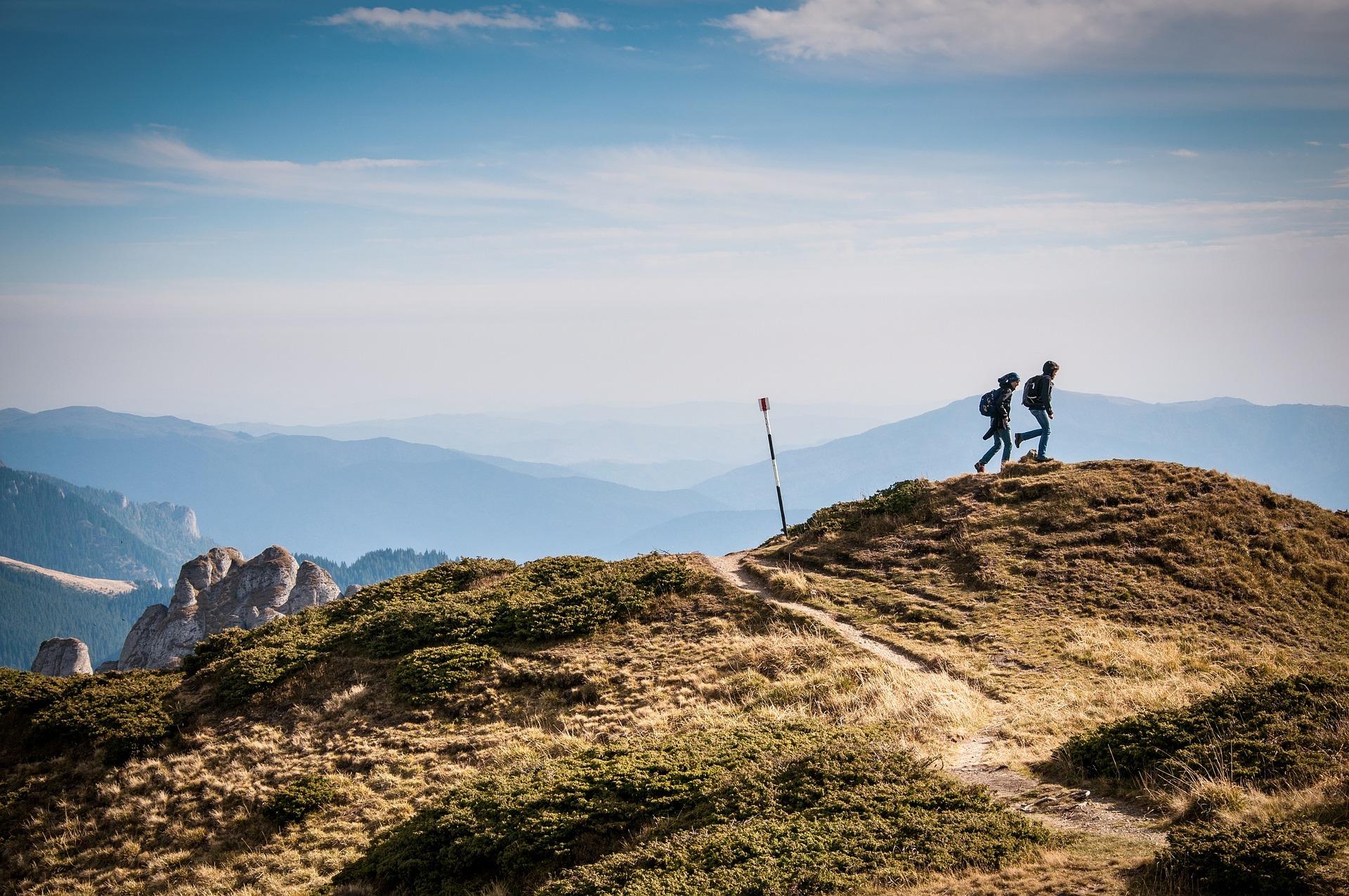Чарівність гір та шум водоспадів: де шукати найкрасивіші маршрути в Карпатах