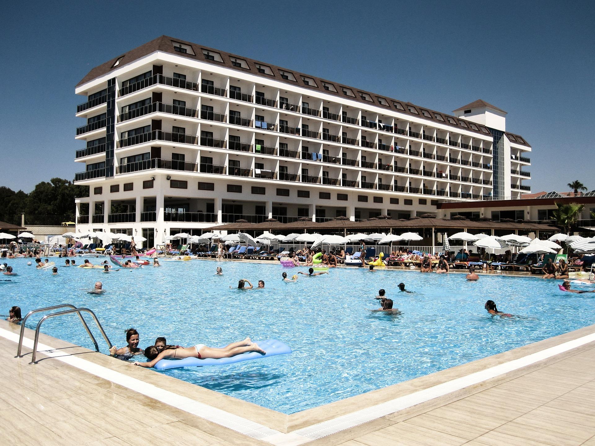 Турецькі готелі відкладають відкриття: що буде з відпочинком у новому сезоні
