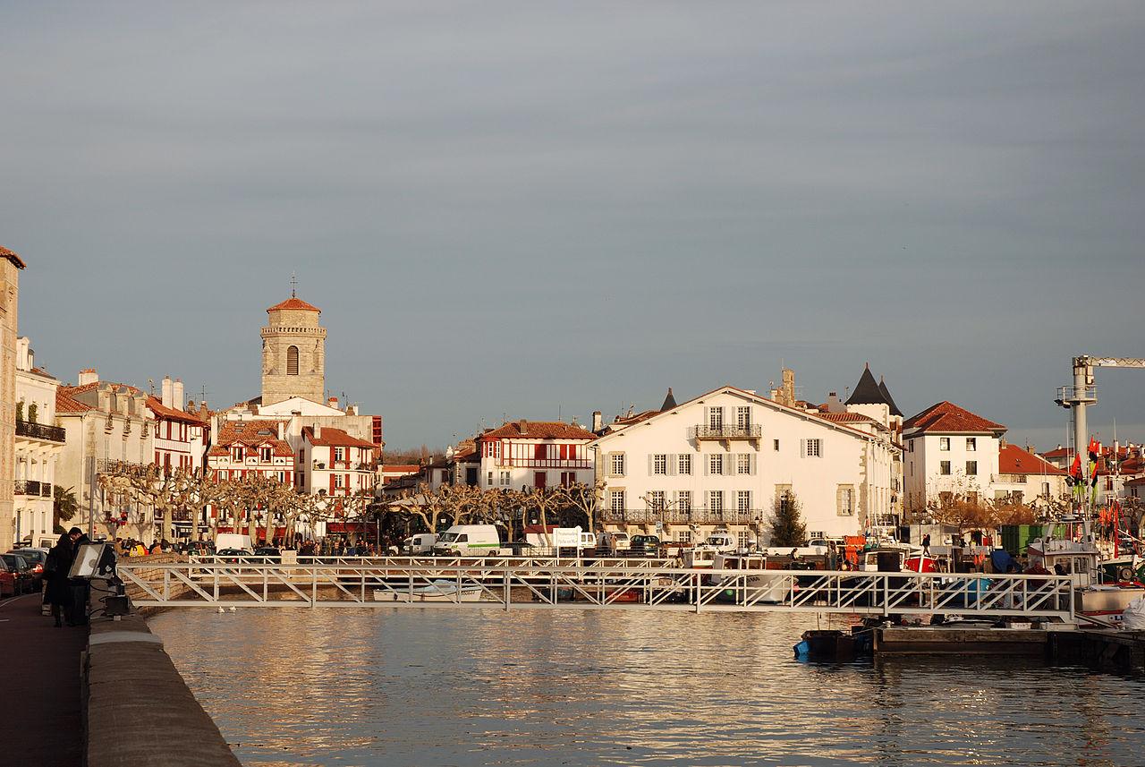 Деликатесы, пляжи и атмосфера Средневековья: самые колоритные городки Европы для поездки на уикенд