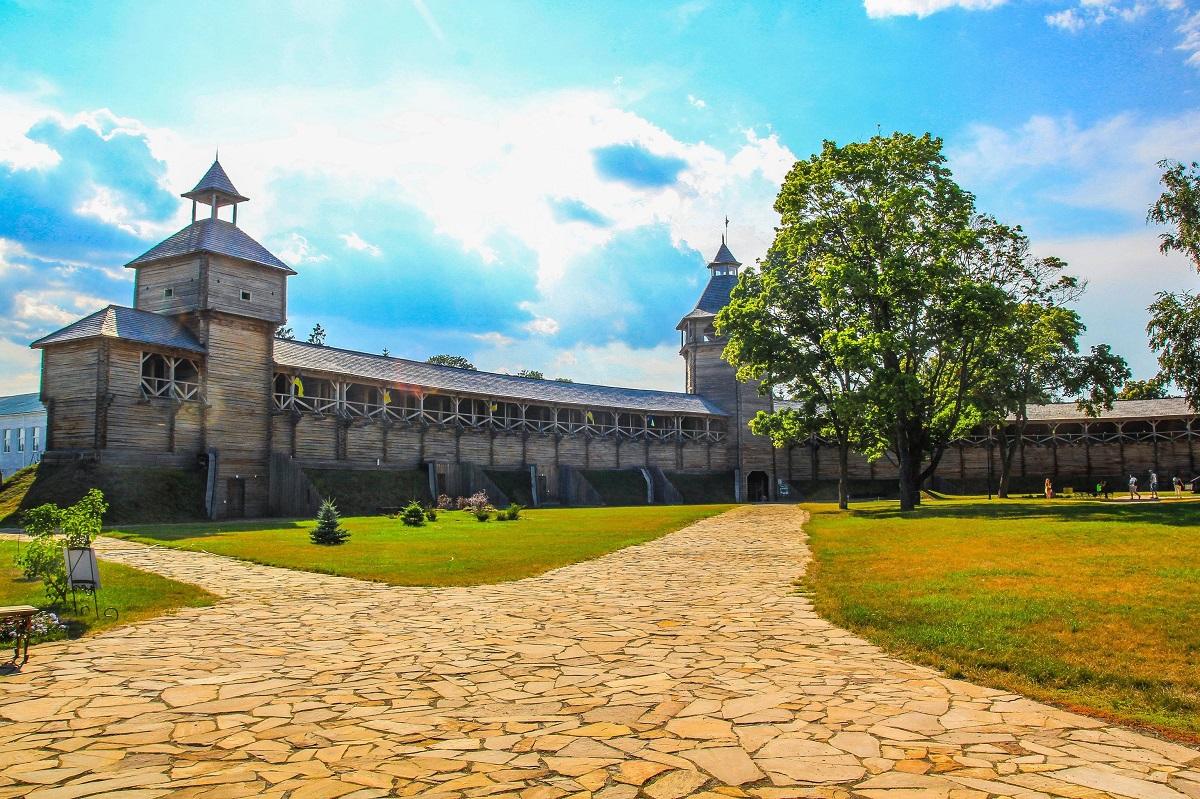 """Міста-фортеці та пам'ятки природи: чому варто побувати на Сеймі - """"екваторі"""" Сумщини"""