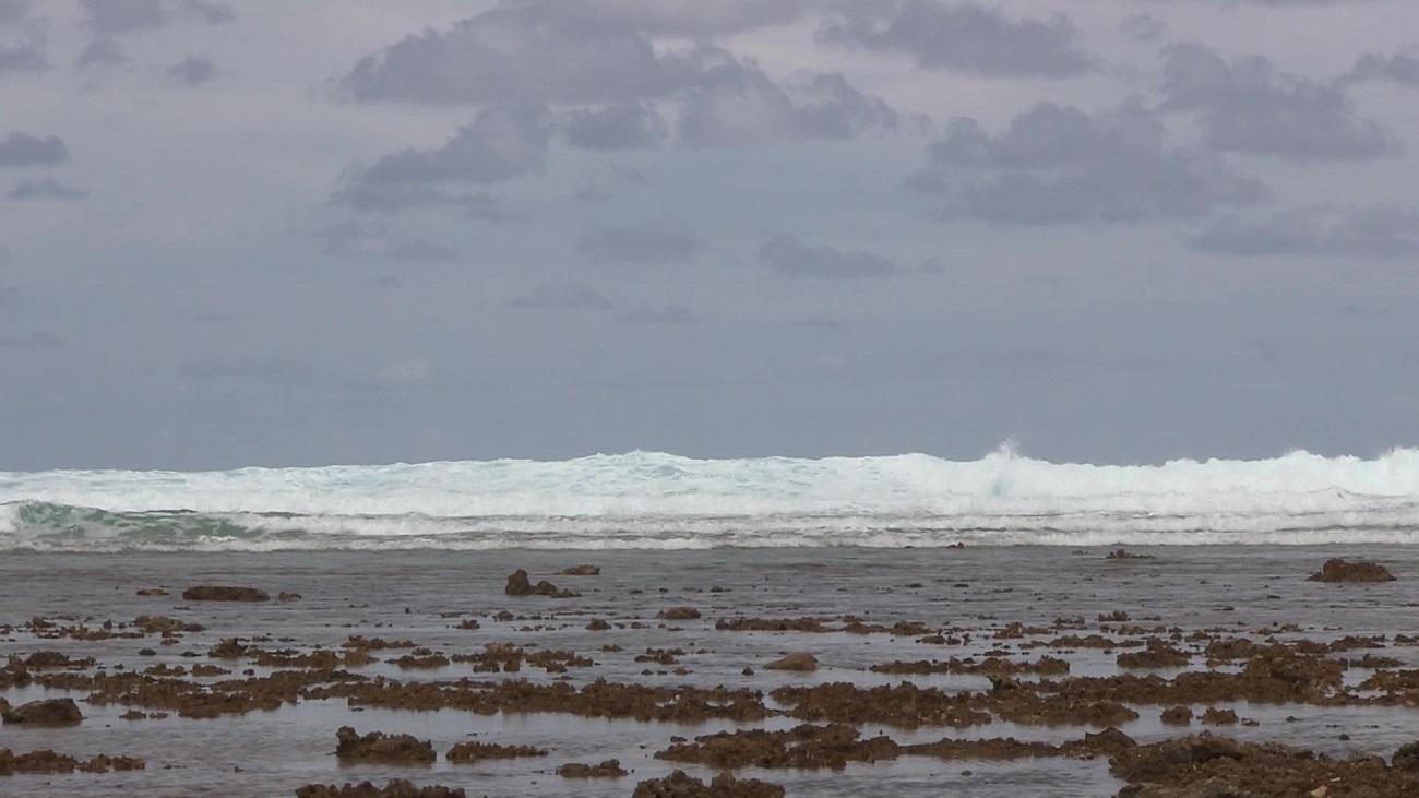 """Звалище космічних відходів, акули і """"уламки кришталю"""": чим дивує атол Дюсі - острів в архіпелазі Піткерн"""
